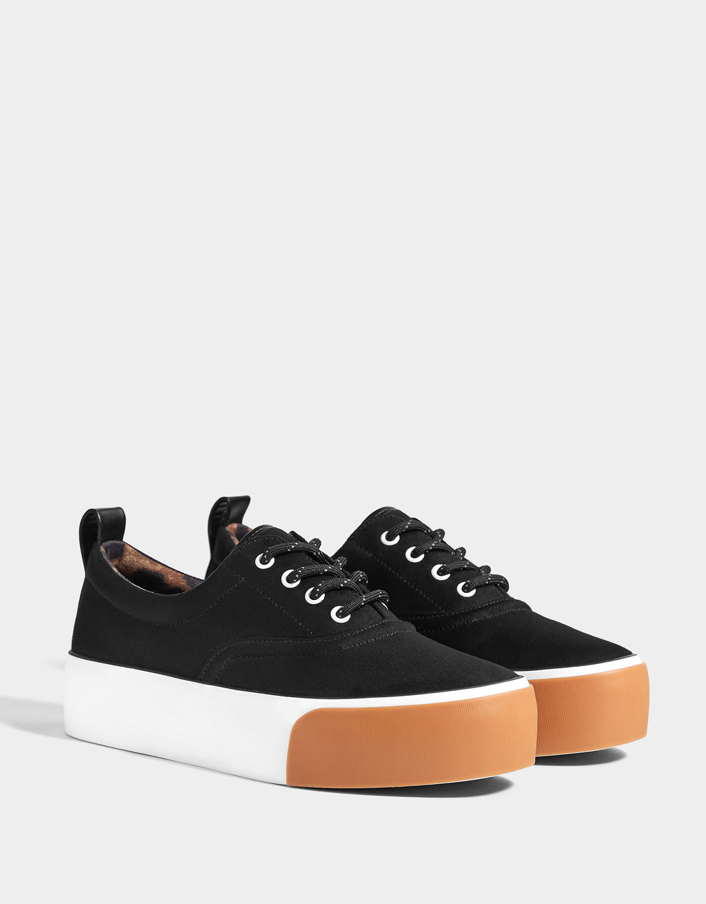 Contrasting platform trainers