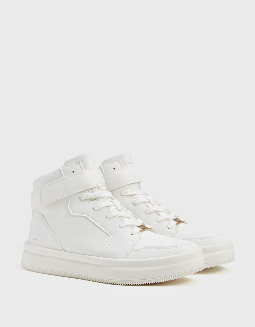 Men's basketball high-top trainers