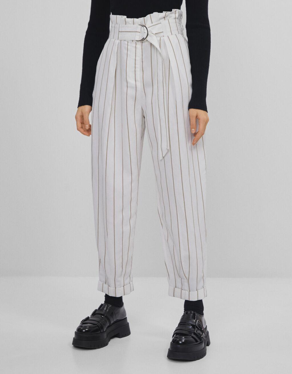 Pantaloni slouchy con cintura