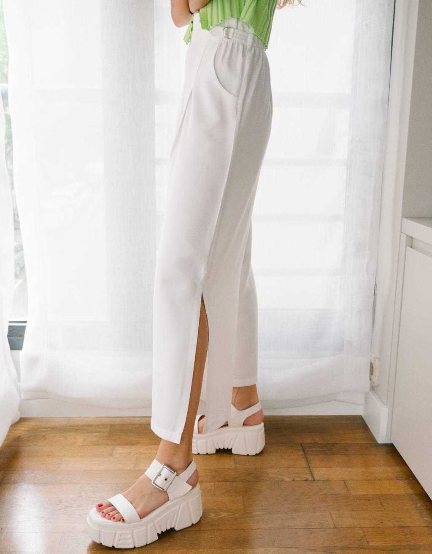 Pantalón culotte con hebillas