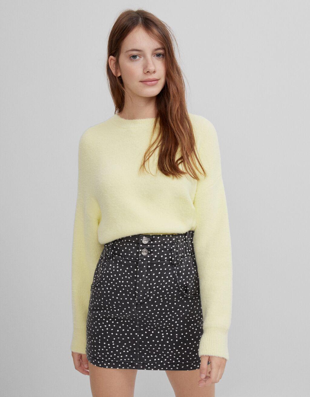 Short paperbag skirt
