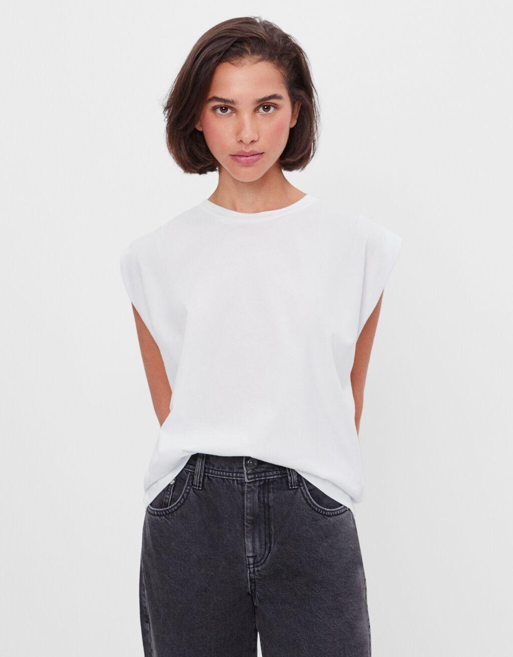 Maglietta con pieghe sulle spalle