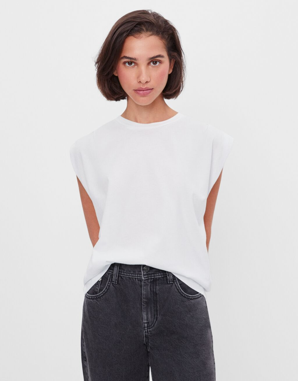 T-shirt with pleats along the shoulders