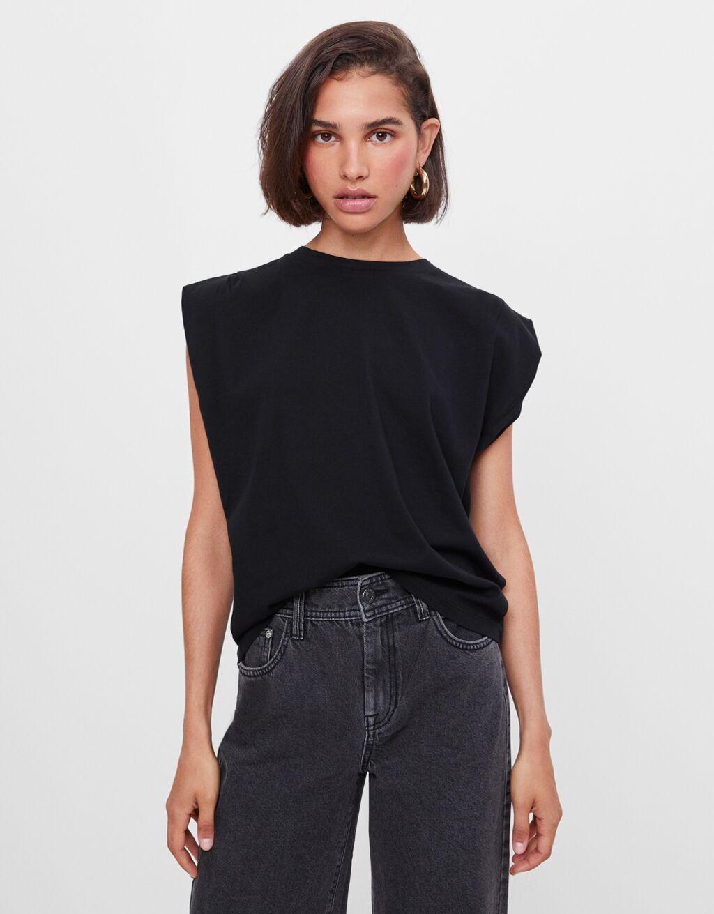 T-Shirt mit Falten an den Schultern