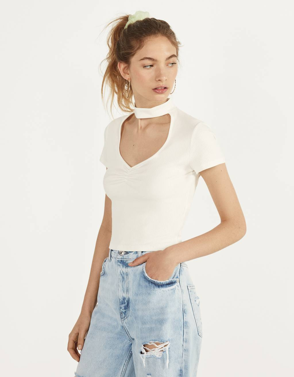 T-shirt with a choker neck and gathered detail