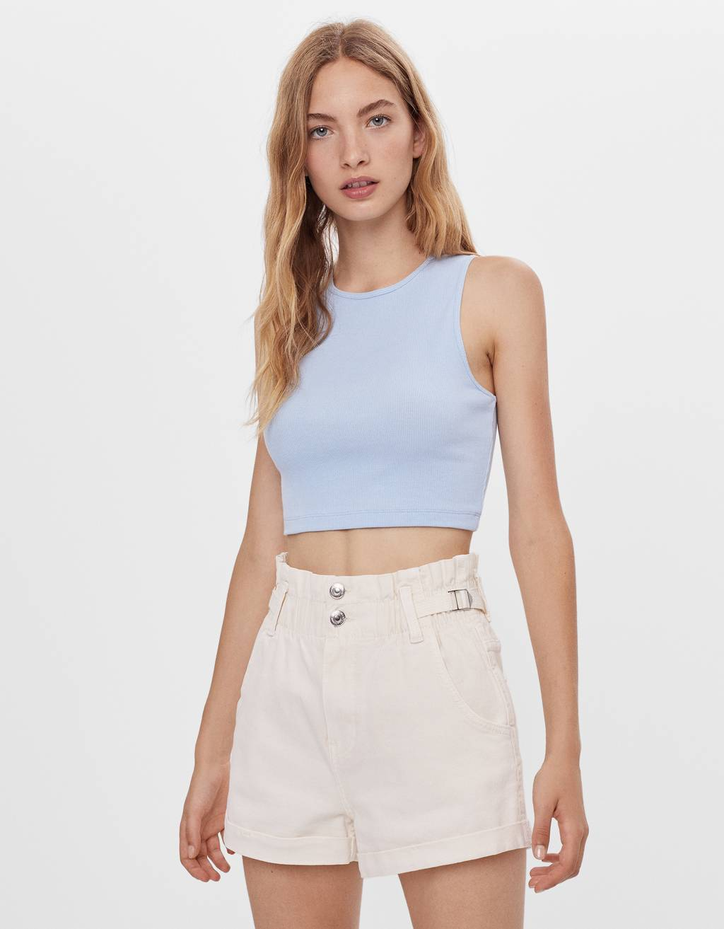 Shorts with an elastic waistband and belt loops.