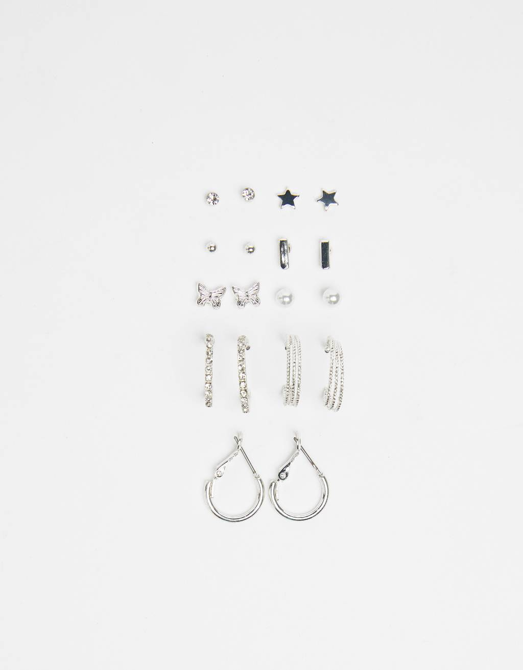 Set of faux pearl earrings