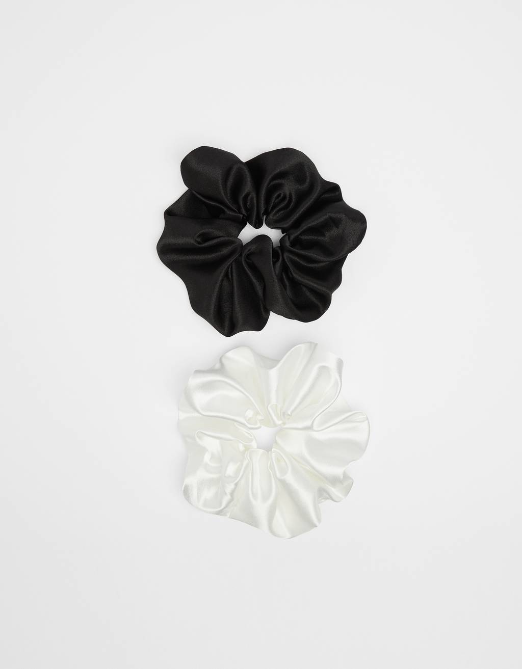 Pack of XXL satin scrunchies