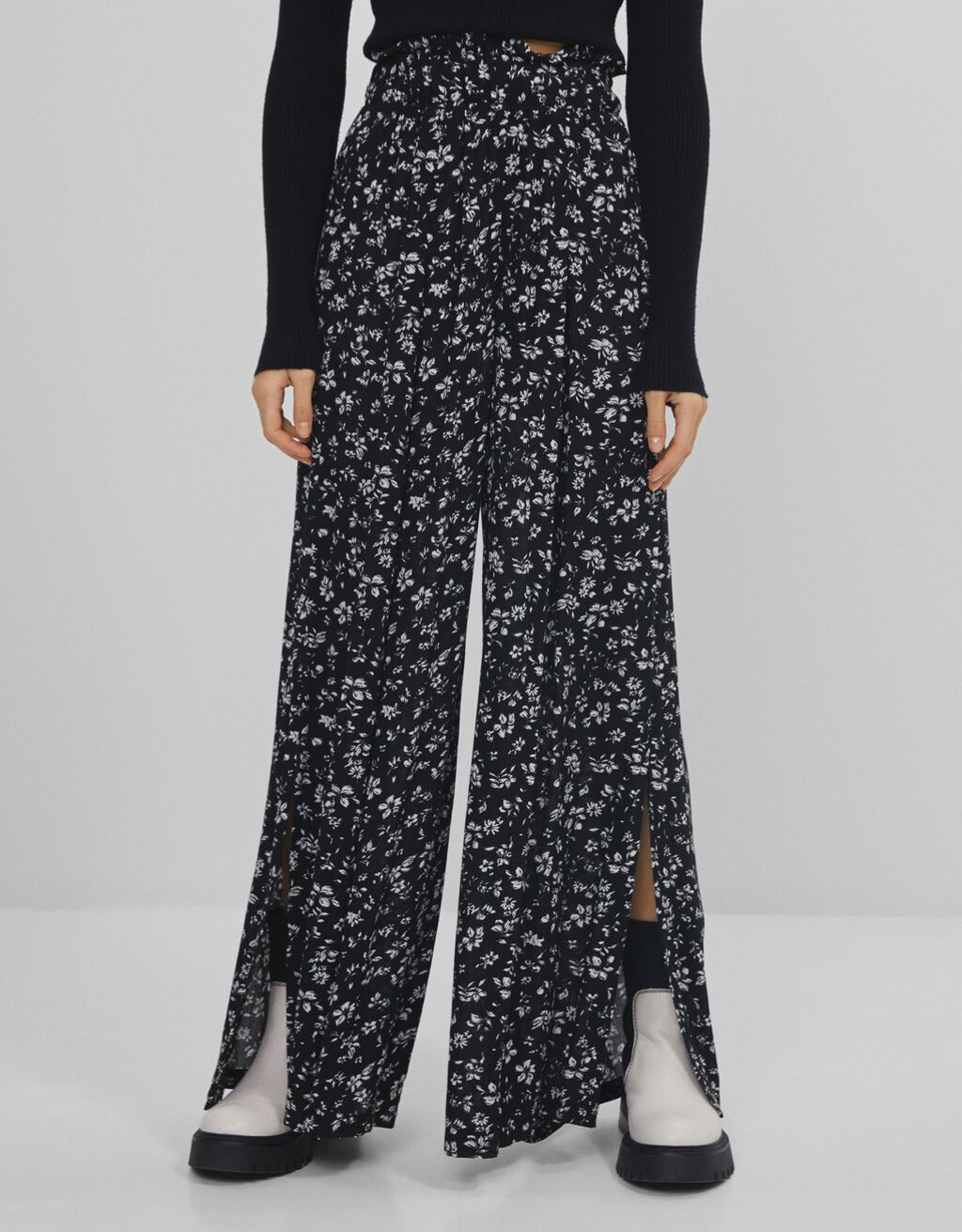 Floral print wide-leg trousers