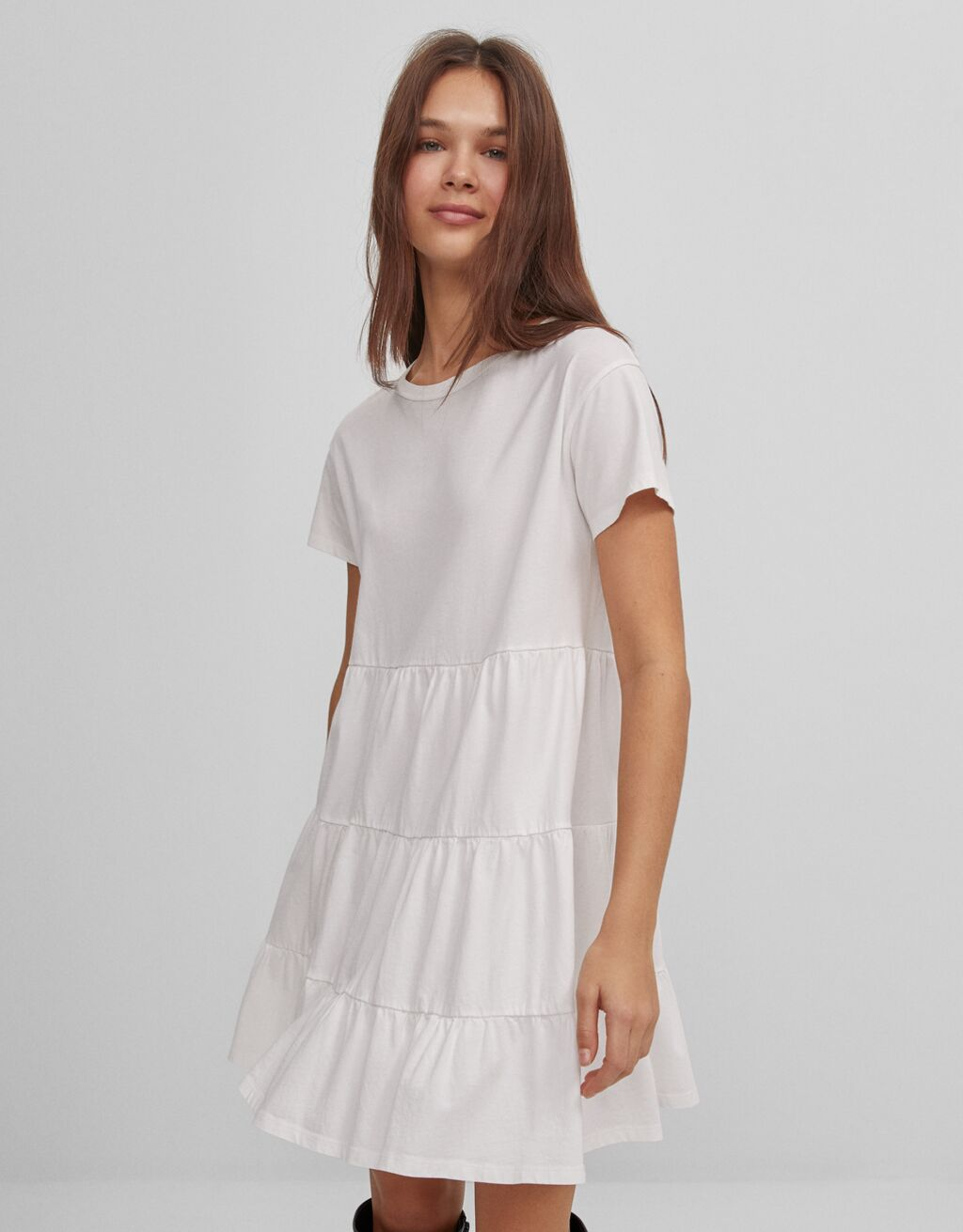 Короткое платье в стиле бэби-долл