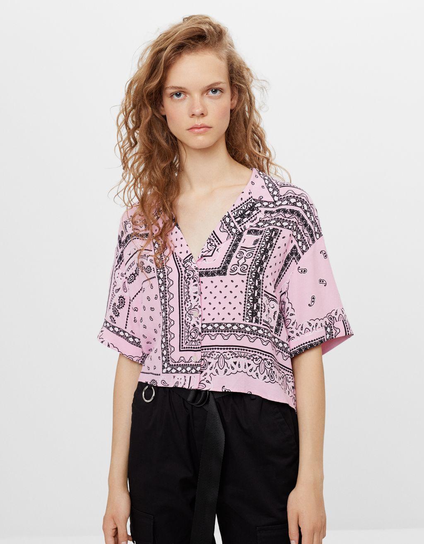 Krekls ar nierīšu raksta apdruku