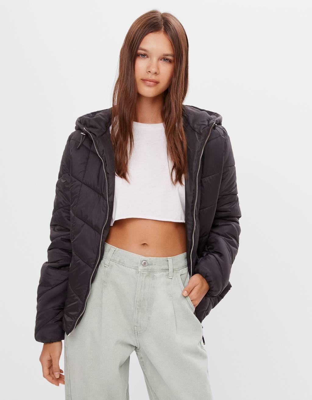 Puhasta jakna s kapuco