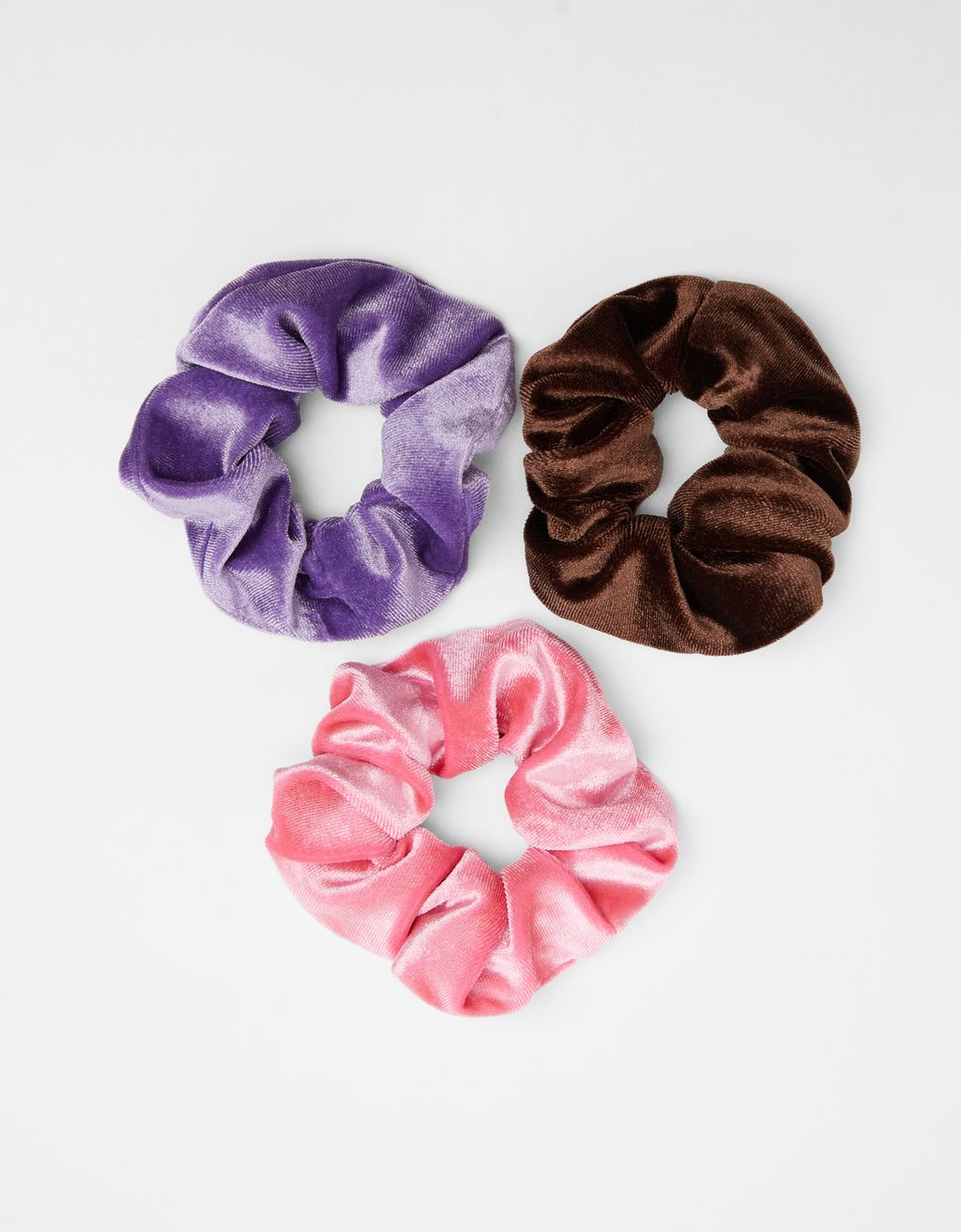 Pack of velvet scrunchies