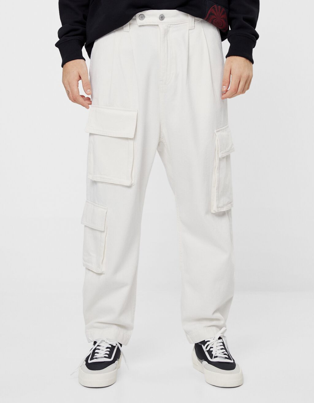 Balloon fit cargo trousers