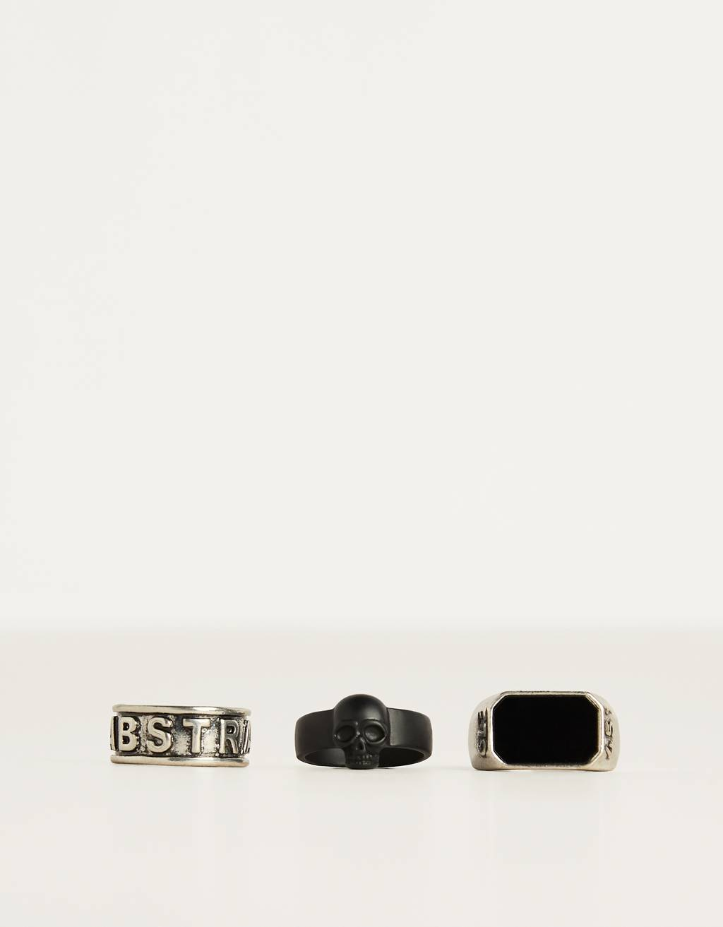 Set of skull rings