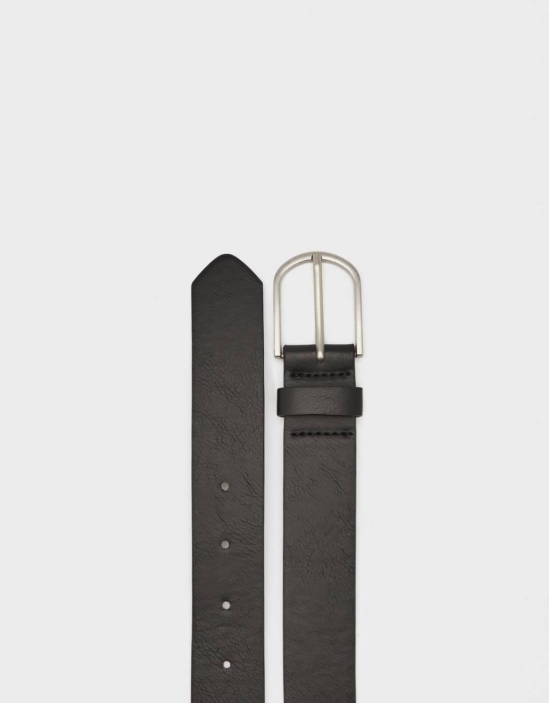 Cinturón con hebilla