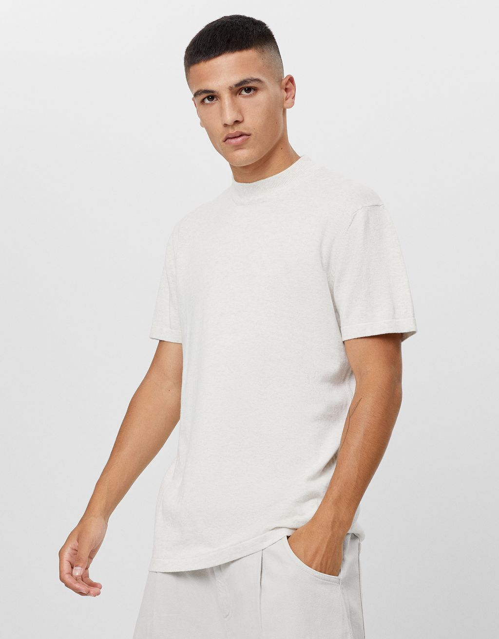 Short sleeve T-shirt with high neck