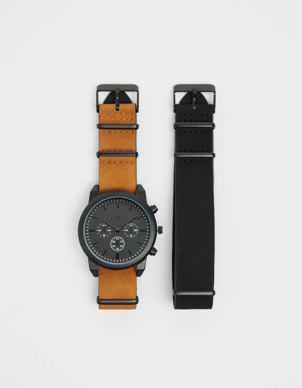Watch with interchangeable strap