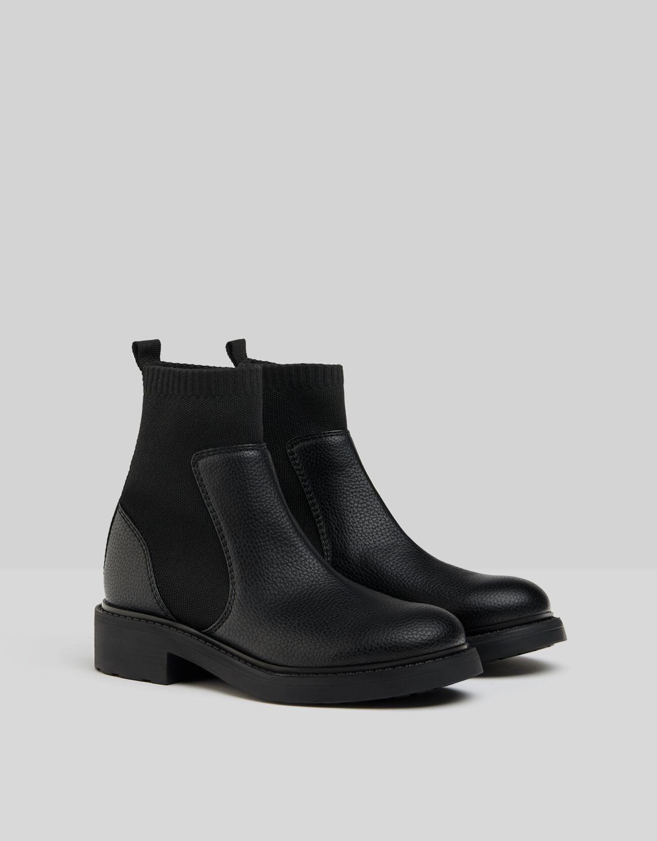 Artikel klicken und genauer betrachten! - Flache Stiefeletten Mit Sock-Boots Color: Schwarz Size: 36 Material: Kautschuk;Polyurethan;Polyester Farbe:Schwarz Größe: 36   im Online Shop kaufen