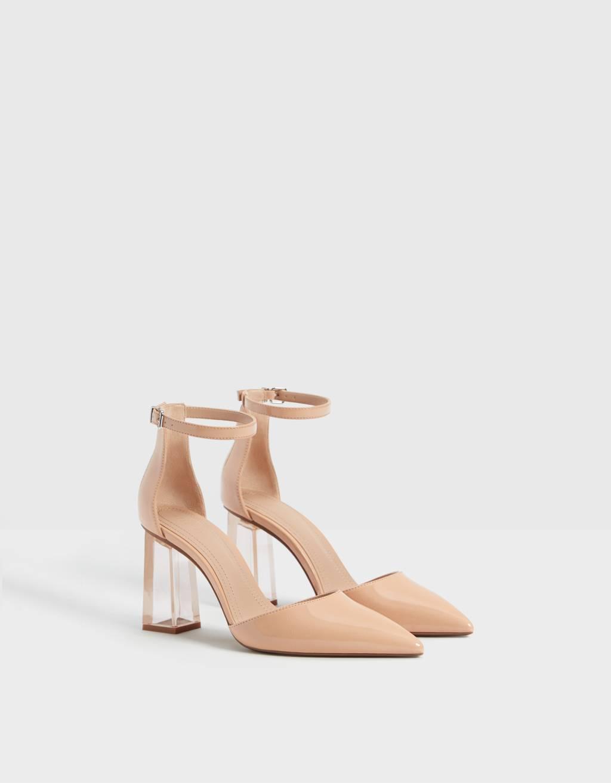 Schuh mit Methacrylat-Absatz