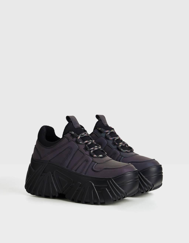 Reflektierende Sneaker mit Plateausohle