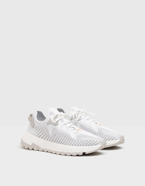 Sneaker mit Netzstoff und Socken