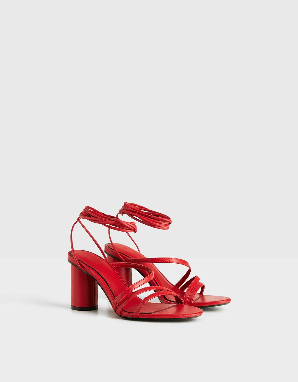 Block heel sandals with straps and tie detail