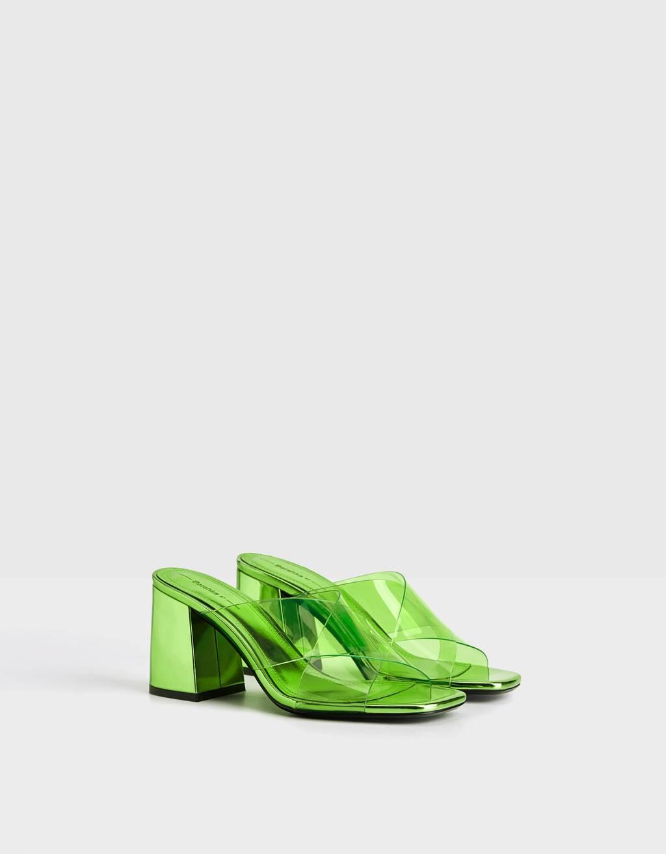 Sandali iz vinila z visoko peto