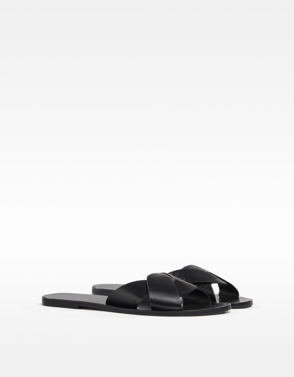 Sandales plates croisées