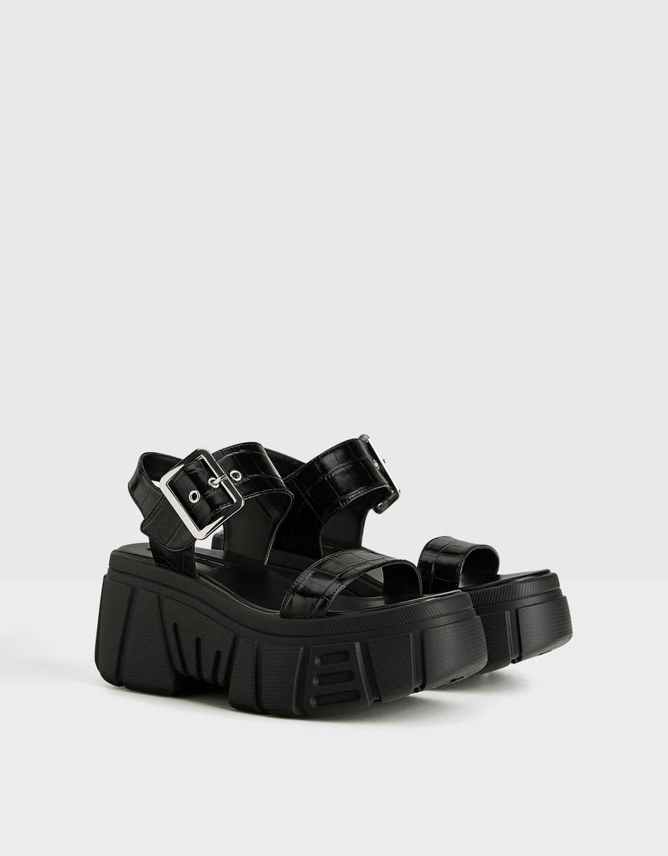 Sandalo sportivo con zeppa
