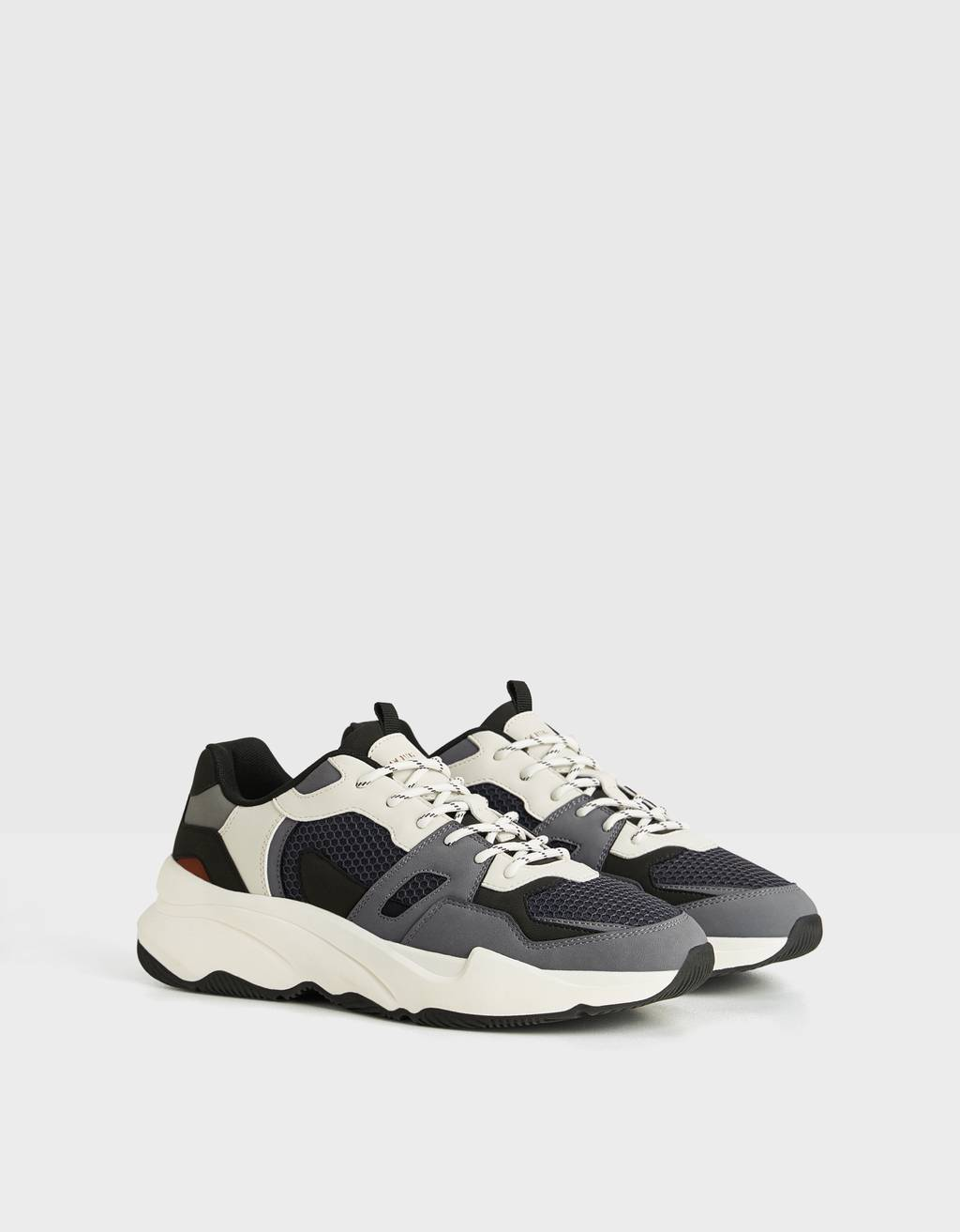 Men's contrast trainers with piece detailing