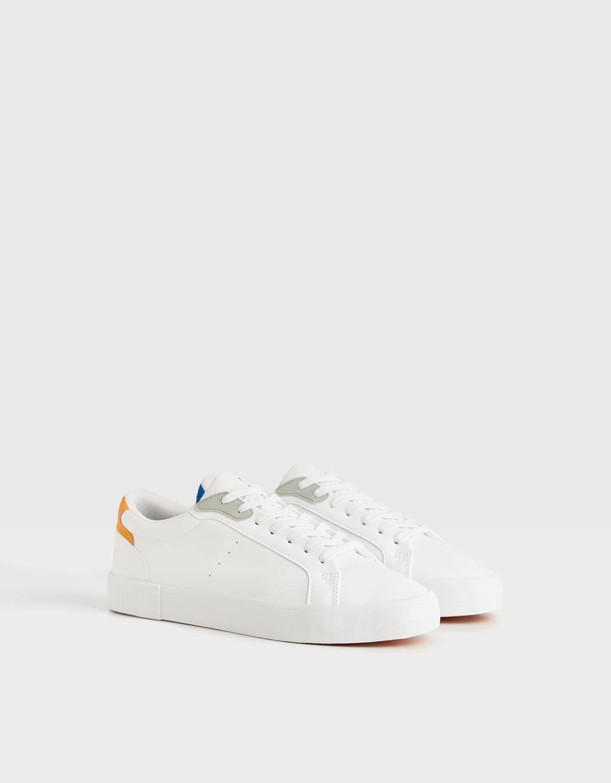 Sneakers med tofarvede hæle
