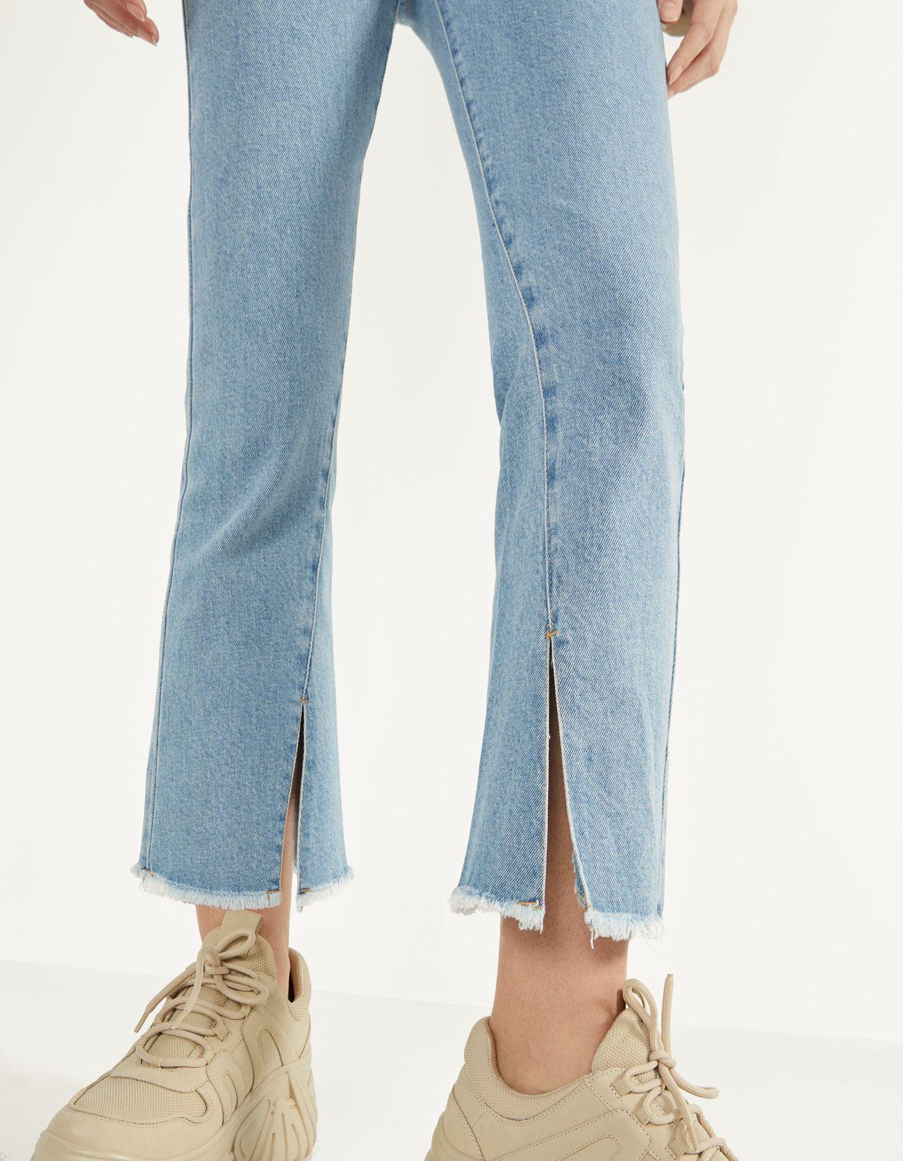 Расклешенные джинсы Голубой Bershka