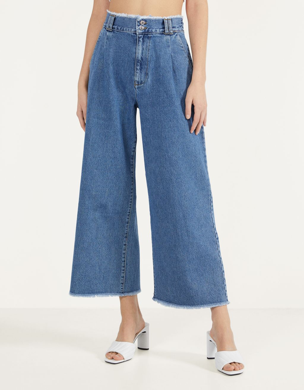Culotte jeans with frayed hems