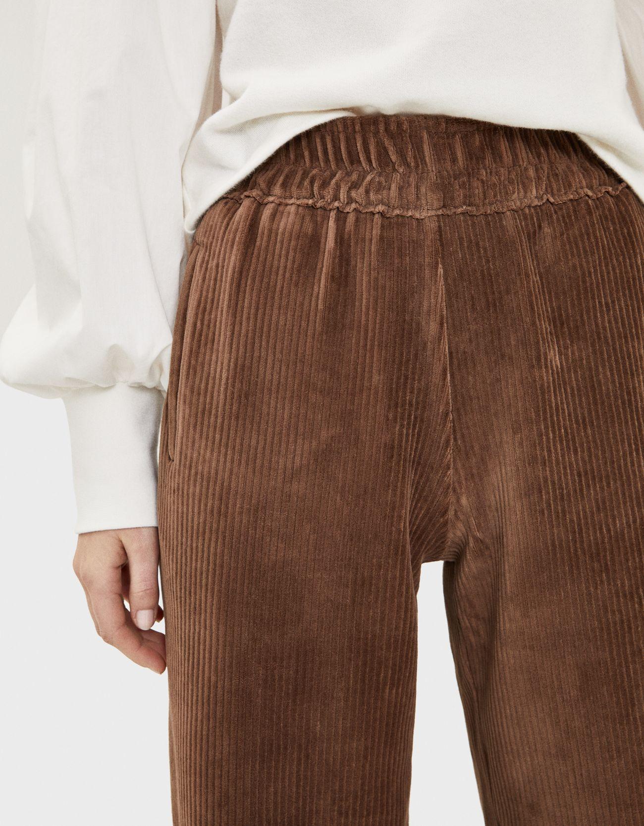 Широкие брюки из вельвета Κоричневый Bershka