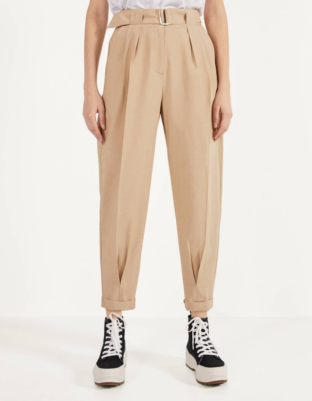 Balloon fit trousers with belt
