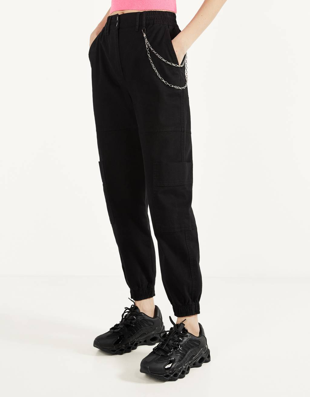 Joggers with chain