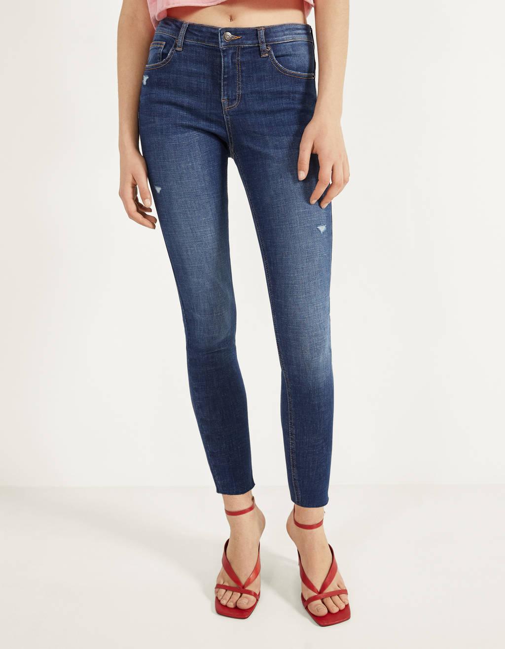 Mid-waist push-up jeans