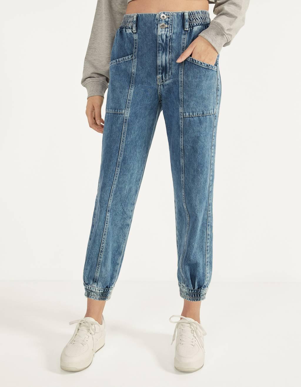 Jeans im Joggerstil