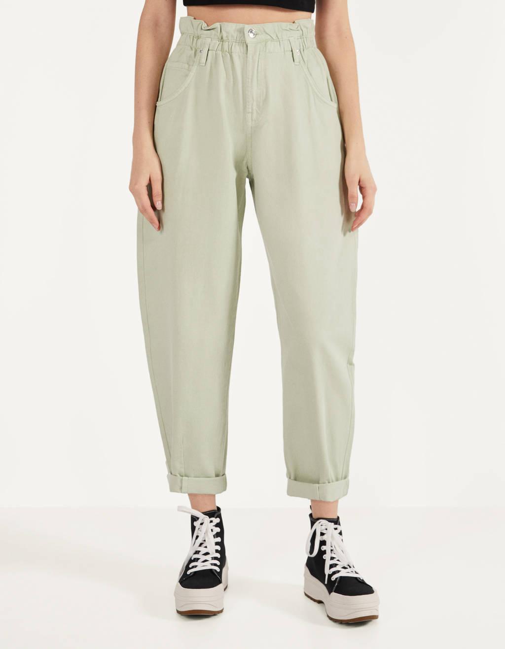 Παντελόνι slouchy με λάστιχο στη μέση