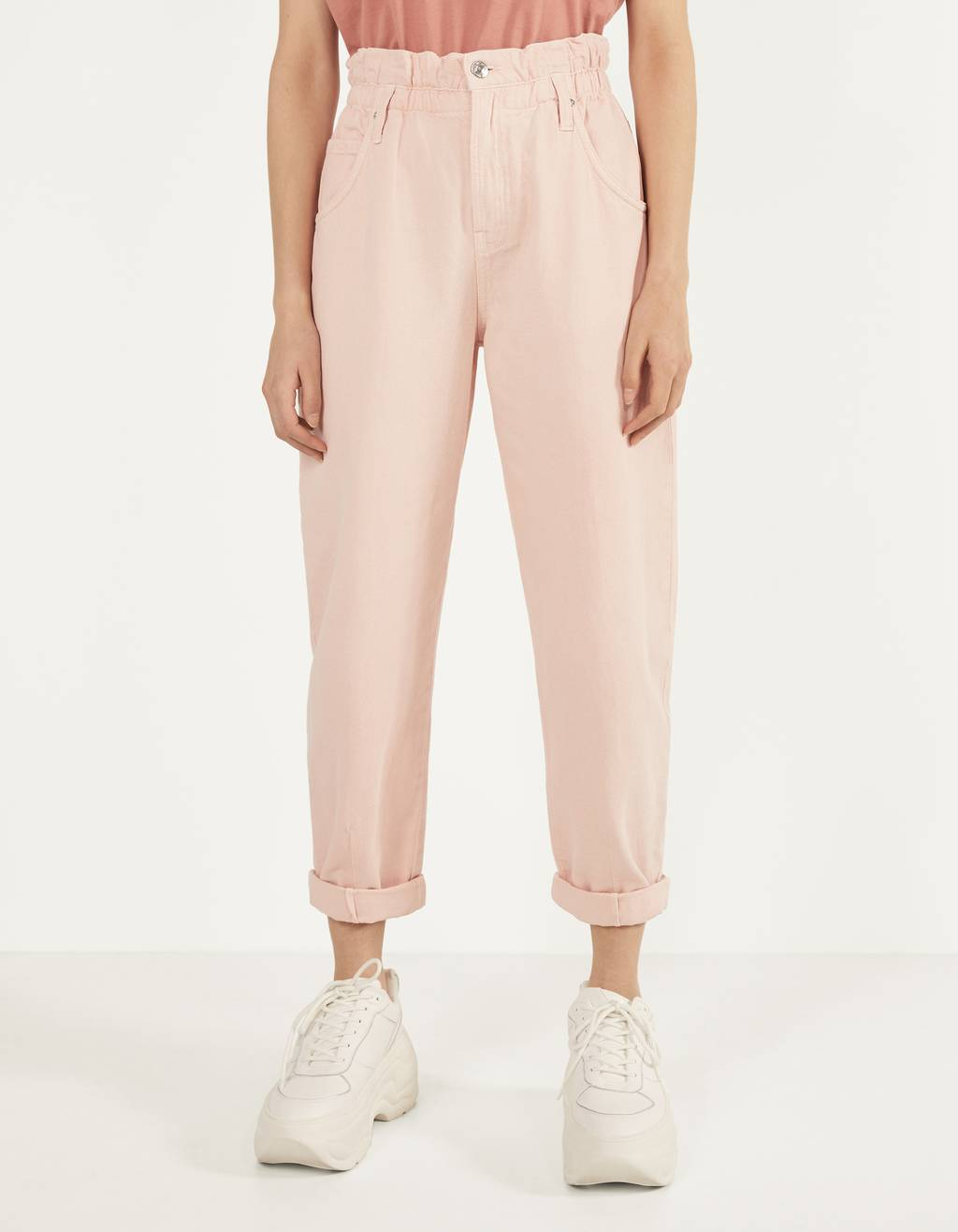 Slouchy pants with an elastic waistband