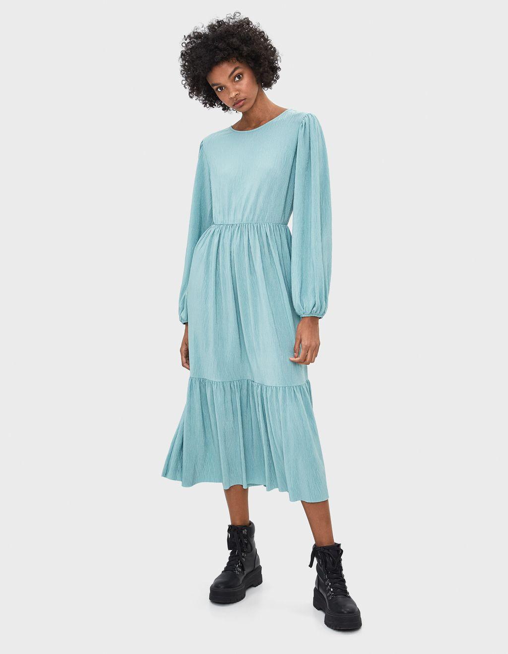 Vestido plisado con manga abullonada