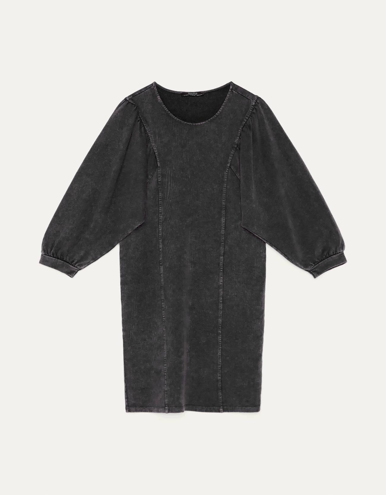 Платье из мягкой ткани с объемными рукавами ЧЕРНЫЙ Bershka