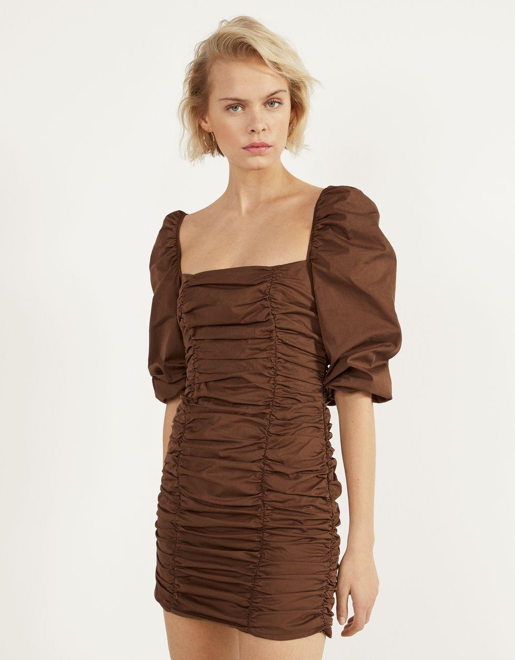 Vestido corto con fruncido
