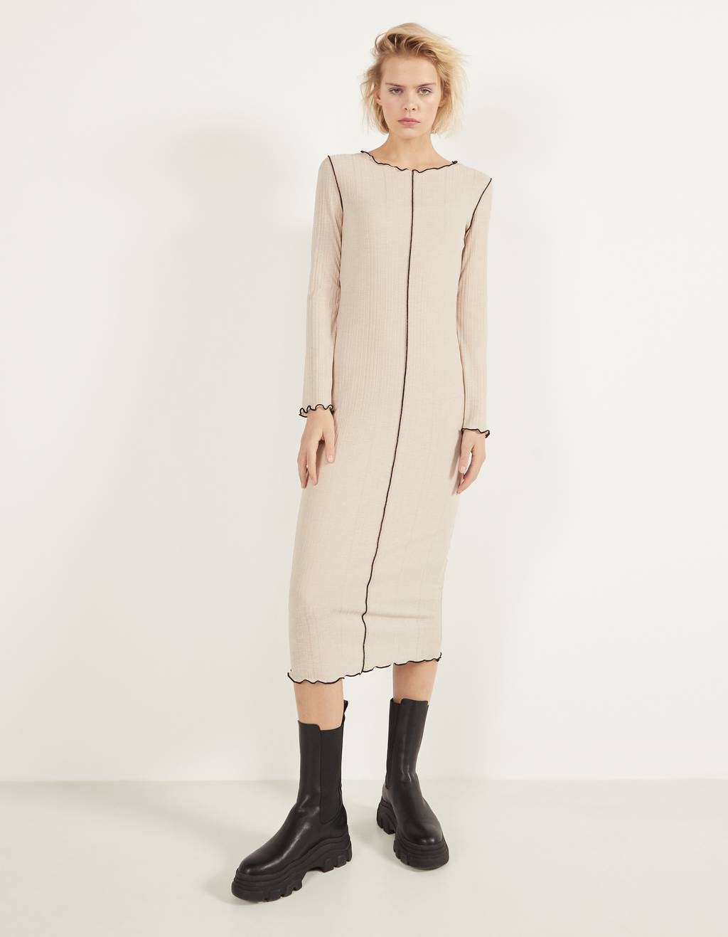 Ribbed dress with seam detail