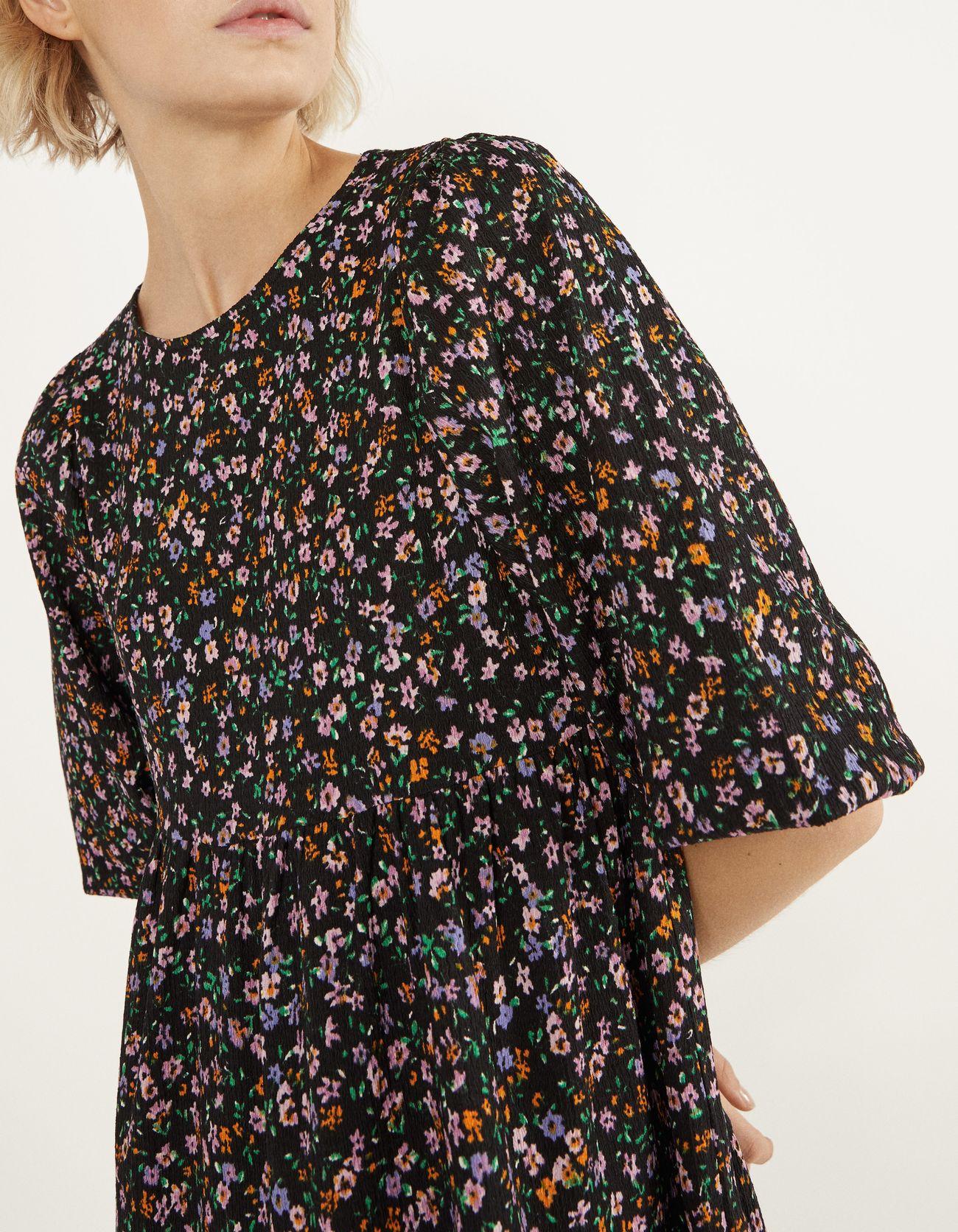 Короткое платье с принтом Фиолетовый Bershka