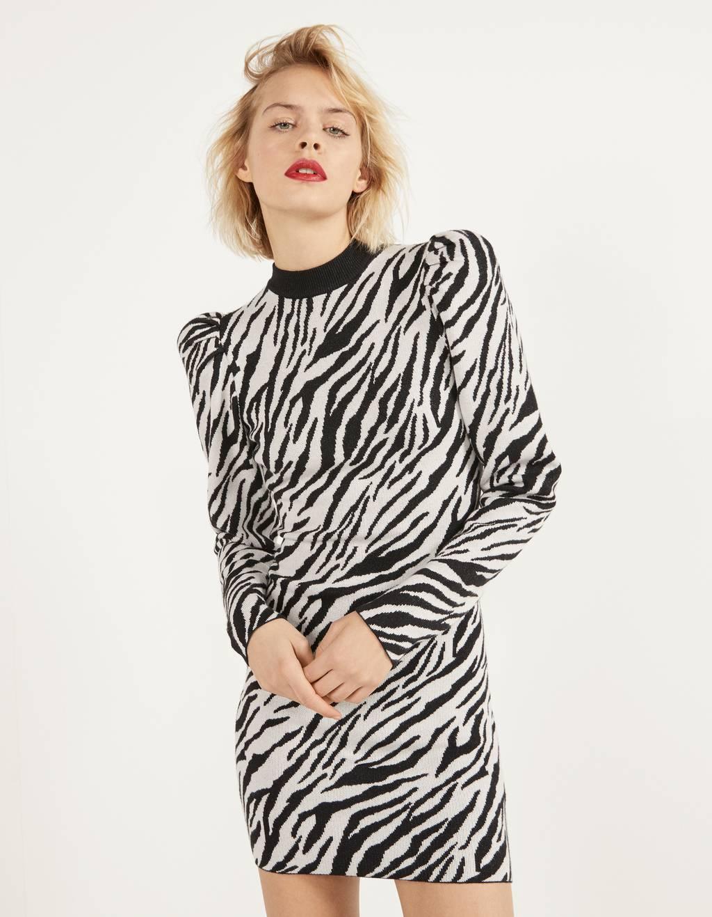 Zebra desenli elbise