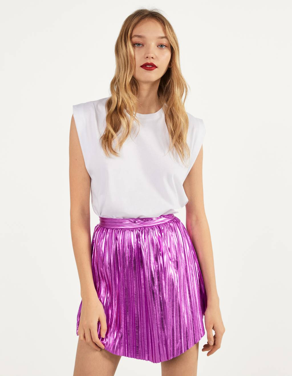 Metallic effect pleated skirt