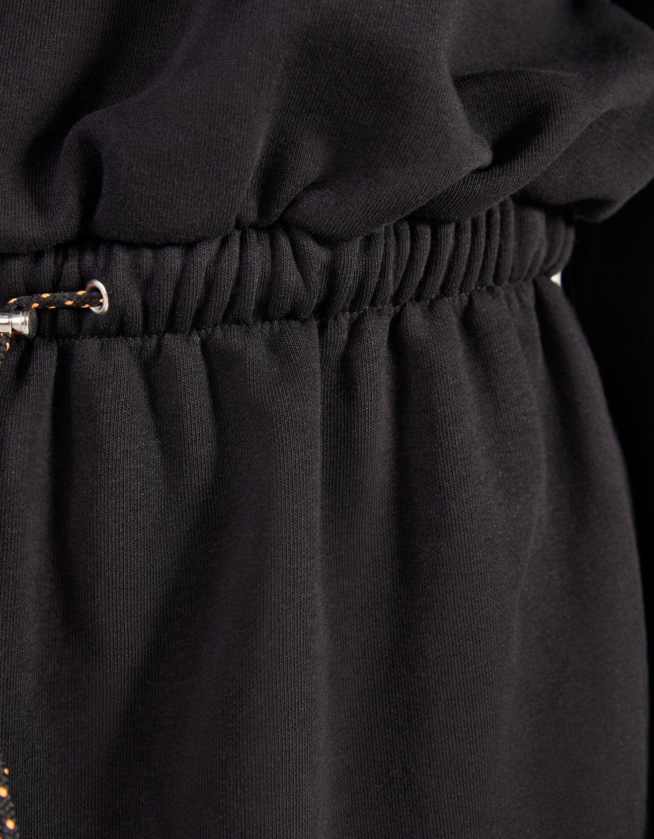 Платье из мягкой ткани со сборкой на талии ЧЕРНЫЙ Bershka