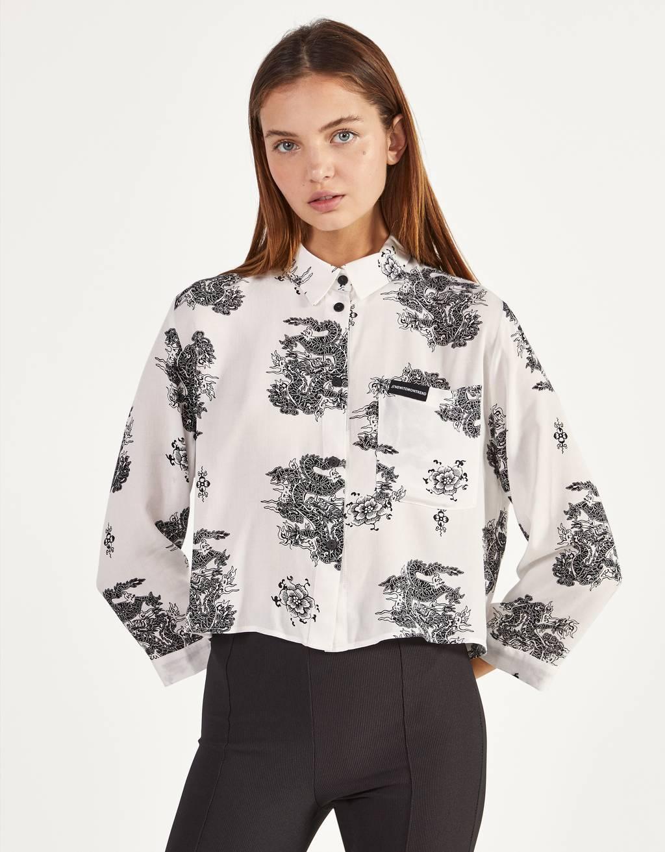 Cropped printed shirt
